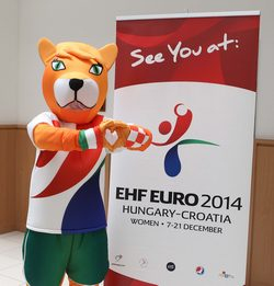 Foxette, the mascot of the tournament - photo: EHF