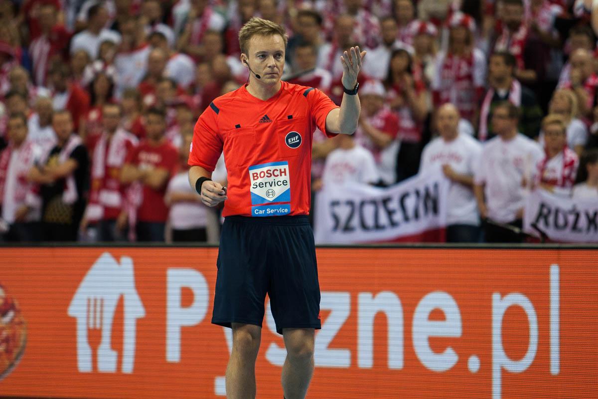 Mads Hansen, referee, Denmark   Photo: Bjørn Kenneth Muggerud