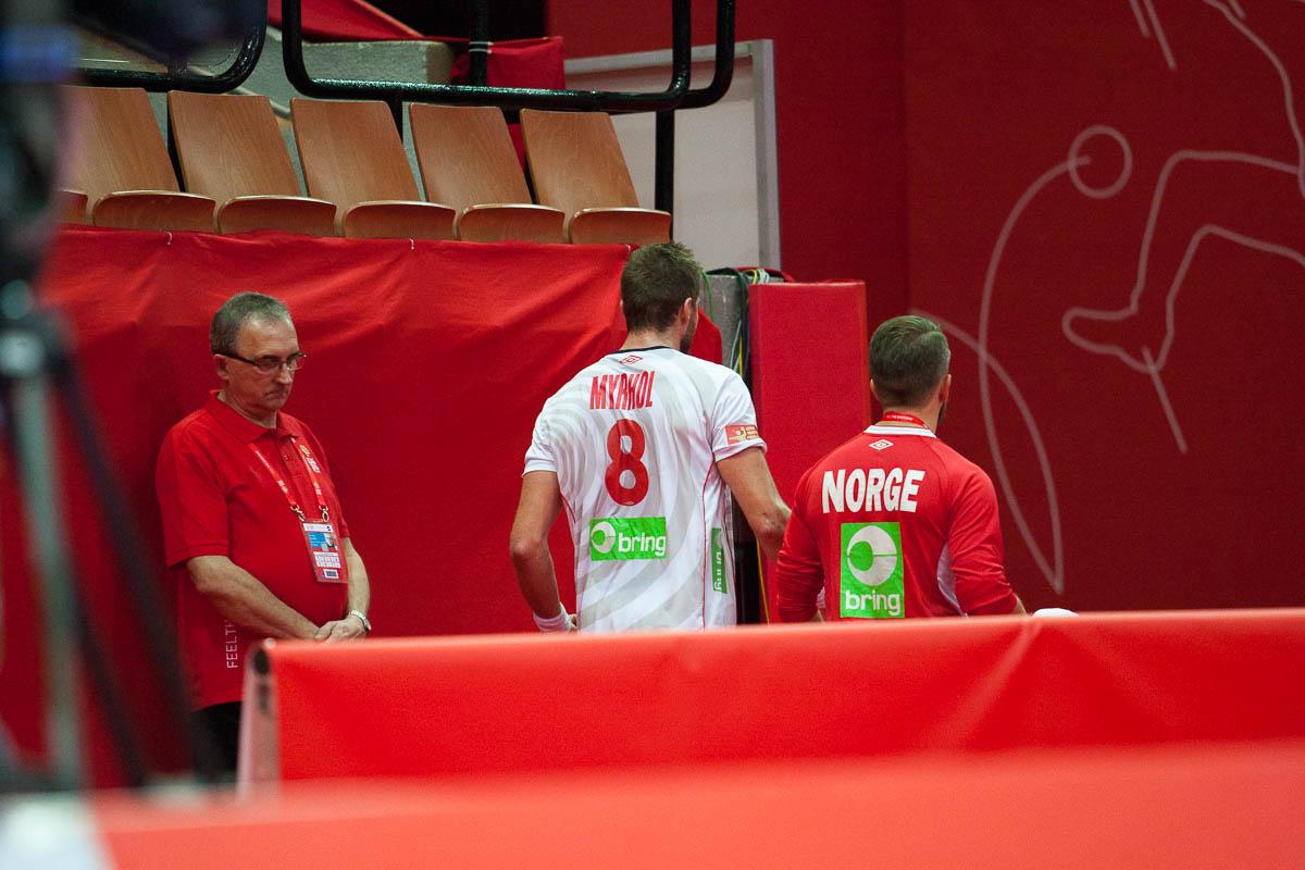 Bjarte Myrhol leaves the match against Iceland after getting a seriou injury | Photo: Bjørn Kenneth Muggerud
