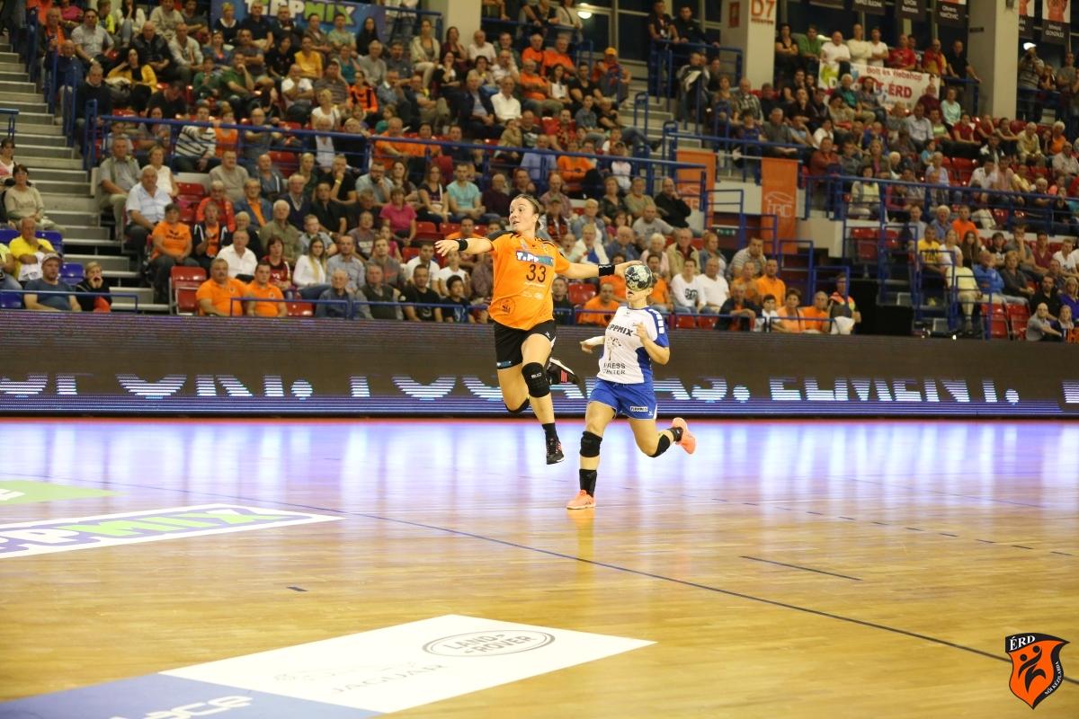 Katarina Krpez Slezak | Photo: Dénes Balázs / handballerd.hu