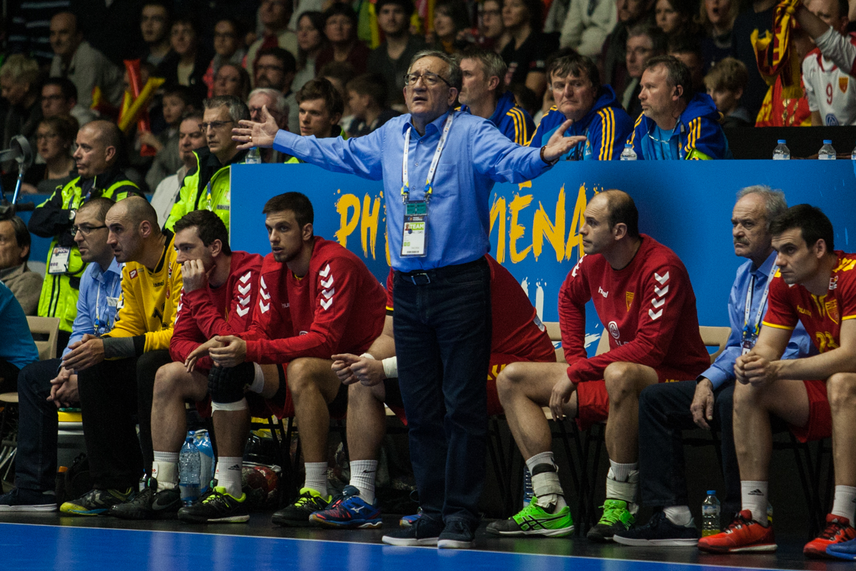 Head coach of Macedonia, Lino Cervar, were frustrated during the match against Norway. | Photo: Bjørn Kenneth Muggerud